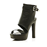 Black high vamp buckle platform heels