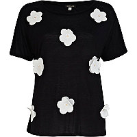 Black and white 3D flower t-shirt