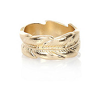 Gold tone leaf thumb ring