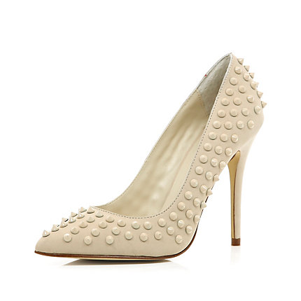 Cream studded point court shoes