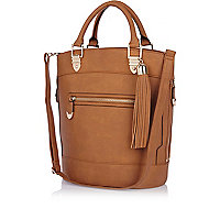 Brown tassel bucket bag