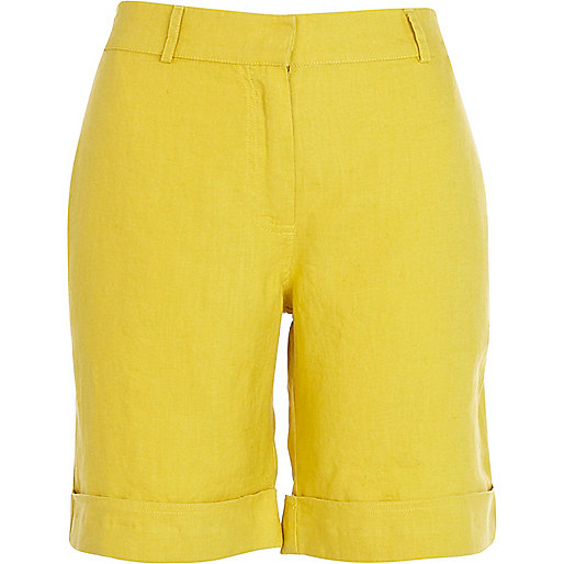 Yellow linen long rolled up shorts