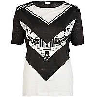 Black and white geometric print t-shirt