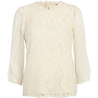Cream victoriana 3/4 sleeve blouse