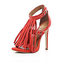 Coral fringed buckle sandals