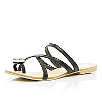 Black gem stone toe loop sandals