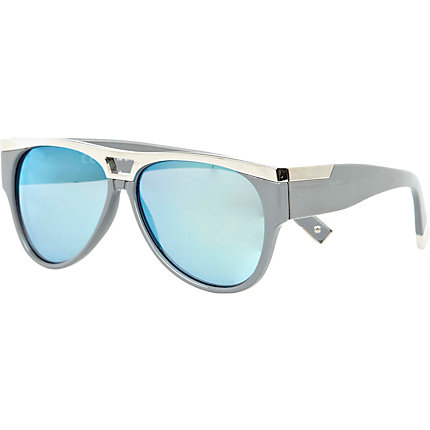 Grey metal plate aviator sunglasses