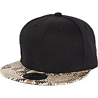 Black snake peak trucker hat