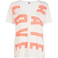 White and orange love hate print t-shirt