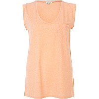 Coral scoop neck tank top