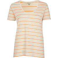 Coral stripe low scoop t-shirt