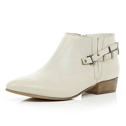 White pointed western shoe boots