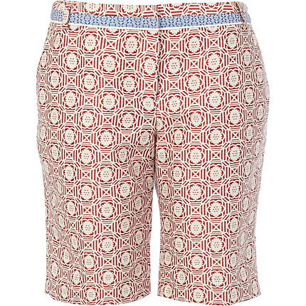 Red contrast tile jacquard smart shorts