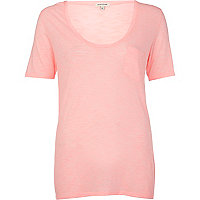 Coral low scoop neck t-shirt
