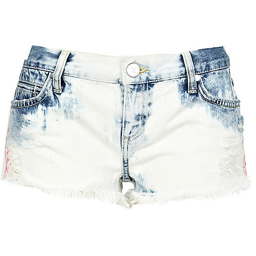 Light acid wash frayed denim shorts
