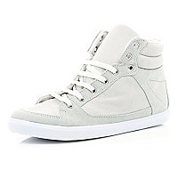 White contrast panel high tops