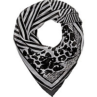 Black and white printed lightweight scarf
