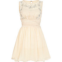 Cream Little Mistress sleeveless prom dress