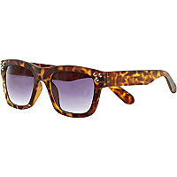 Brown tortoise shell studded retro sunglasses