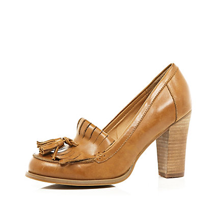 Light brown tassel loafer court shoes
