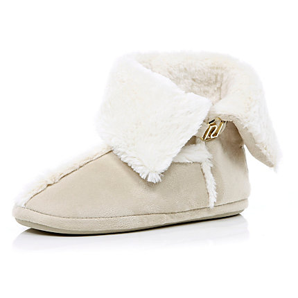Cream faux fur lined slipper boots