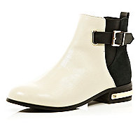 White two-tone buckle chelsea boots