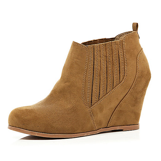 Light brown elasticated gusset wedge boots