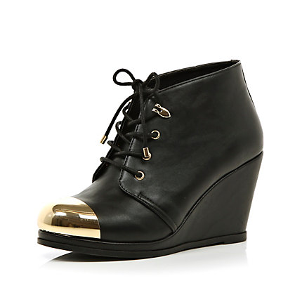 Black metal toe cap wedge ankle boots