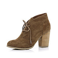 Light brown block heel desert boots