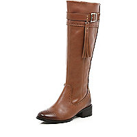 Light brown tassel riding boots
