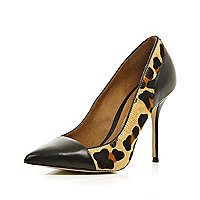 Brown leopard print toe cap court shoes