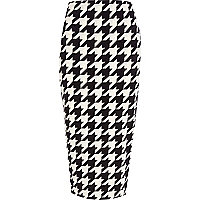 Black and white dogtooth pencil skirt
