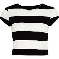 Black and white stripe cap sleeve crop top