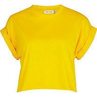 Yellow short sleeve boxy cropped t-shirt