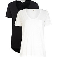 Black and white low scoop t-shirt pack