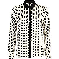 Black and white geometric print shirt