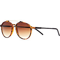 Brown tortoise shell retro round sunglasses