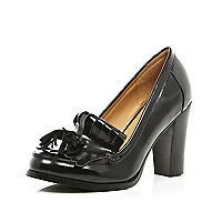 Black tassel loafer court shoes