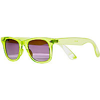 Neon yellow transparent retro sunglasses