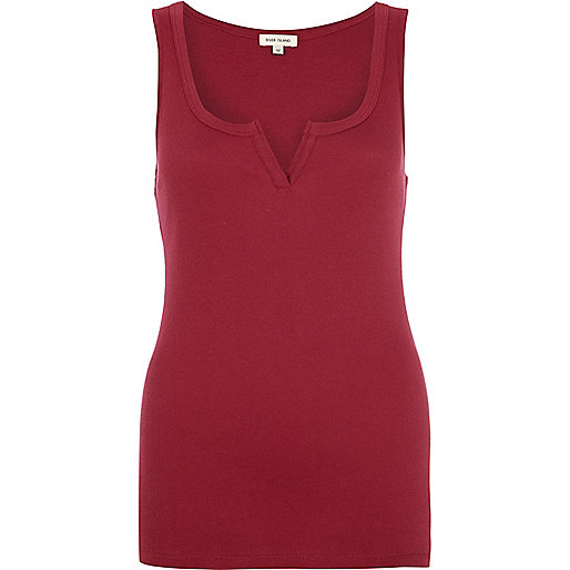 Dark red notch neck rib vest