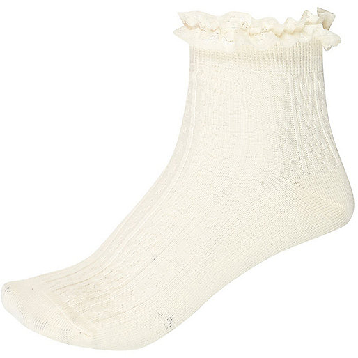 Cream cable knit frilly ankle socks