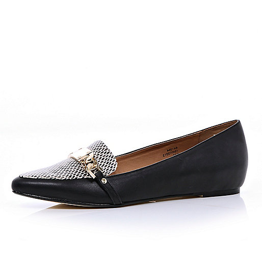 Black metal snake front pointed loafers