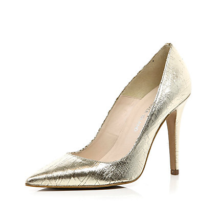 Gold textured pointed court shoes