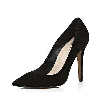 Black pointed court shoes