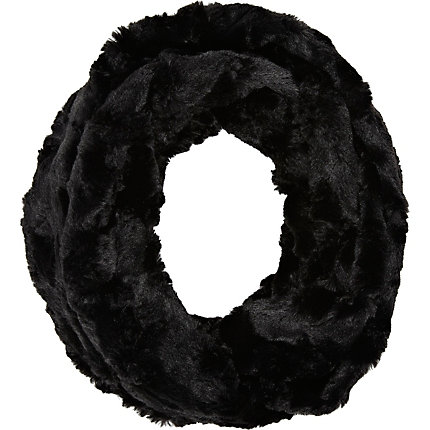 Black faux fur snood