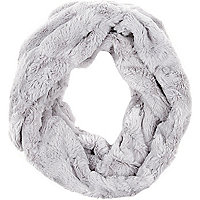 Light grey faux fur snood