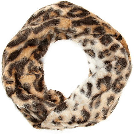 Brown leopard print faux fur snood