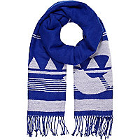 Blue patterened blanket scarf