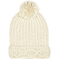 Cream chunky knit pom pom beanie hat