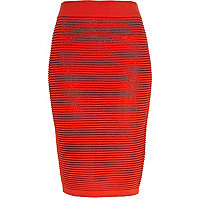 Red ripple textured knit tube skirt